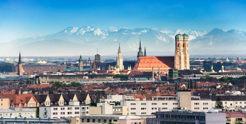 München mit Alpenpanorama